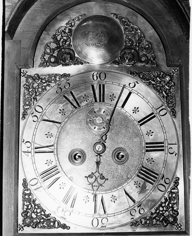 Dating an antique clock is not always easy. Is this 8-day antique clock by Fedel Barr, a German clockmaker?